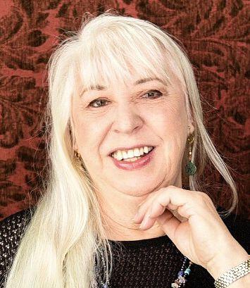 Sheila Lowe